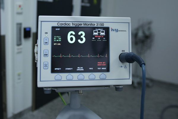 medical-equipment-ecg-ekg-hospital-measure